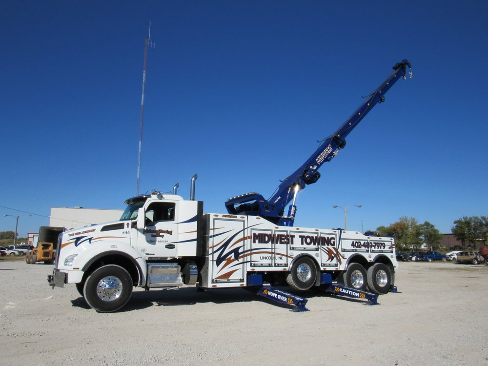 Midwest Towing & Recovery: 400 West P St, Lincoln, NE