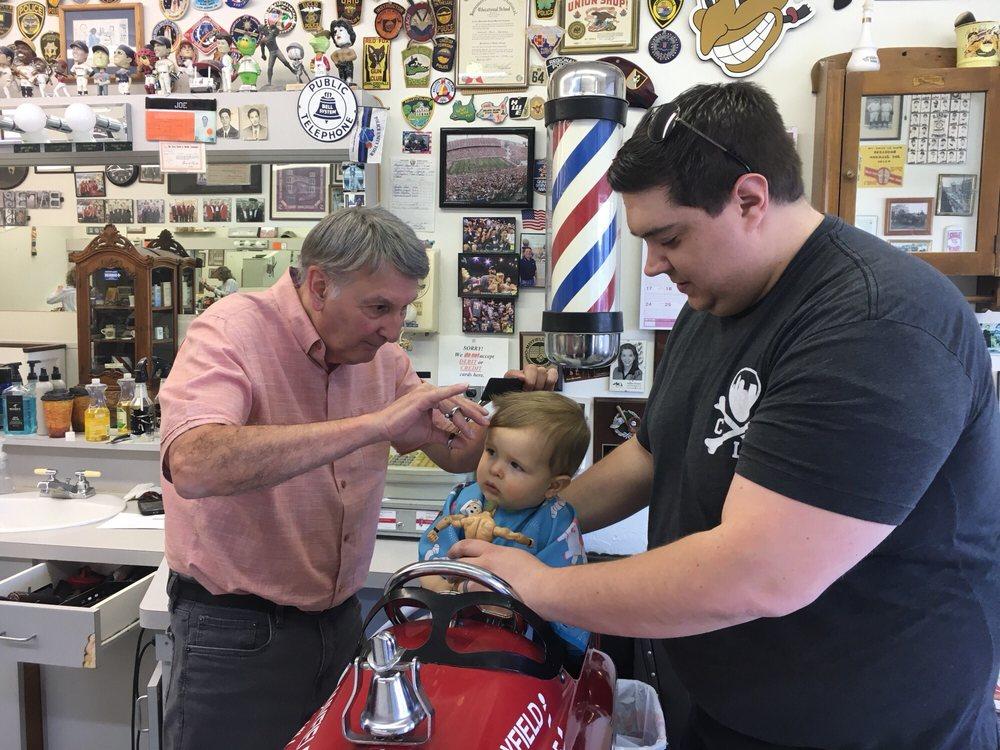 Mayfield Village Barbershop: 826 Som Center Rd, Mayfield, OH