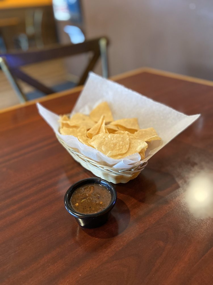 Luna Llena: 2760 Tapo Canyon Rd, Simi Valley, CA