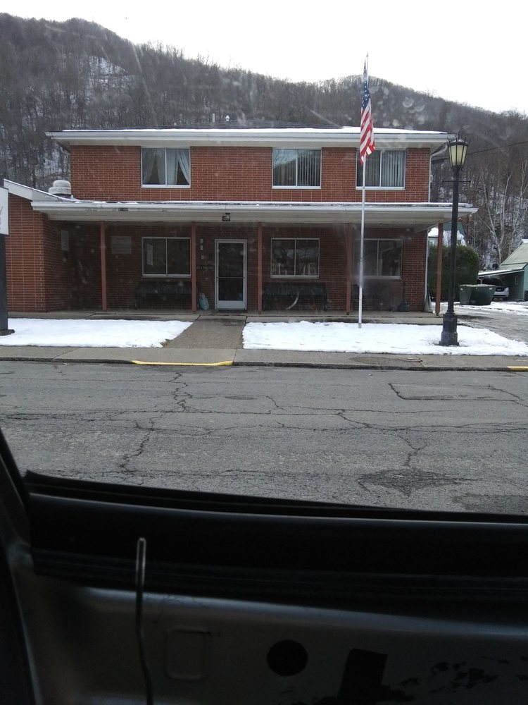 Dodd & Reed Funeral Home: 155 McGraw Ave, Webster Springs, WV