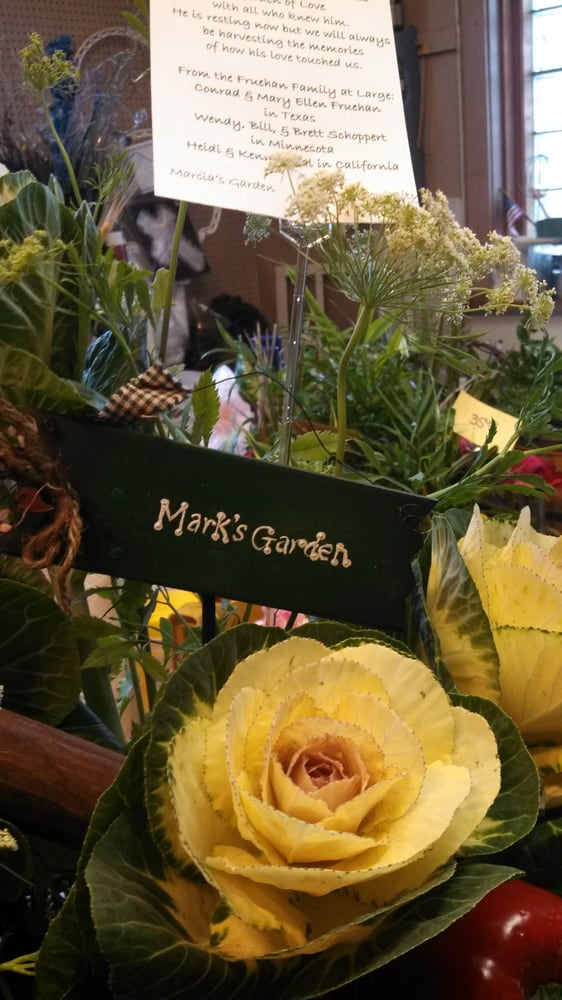 Marcia's Garden: 303 Ford St, Ford City, PA