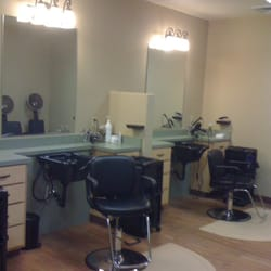 Rossis salon coiffeurs salons de coiffure 2700 e 4th for 4th street salon