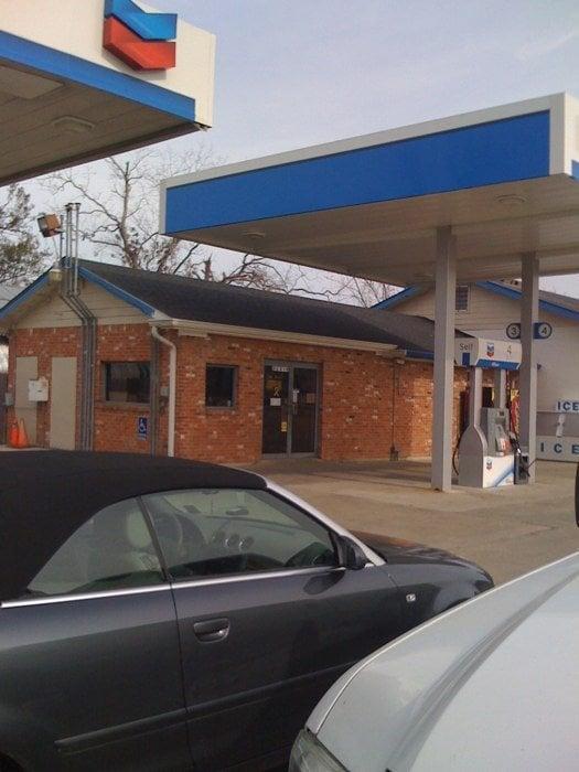 Bordelon Chevron: 32015 Highway 1, White Castle, LA