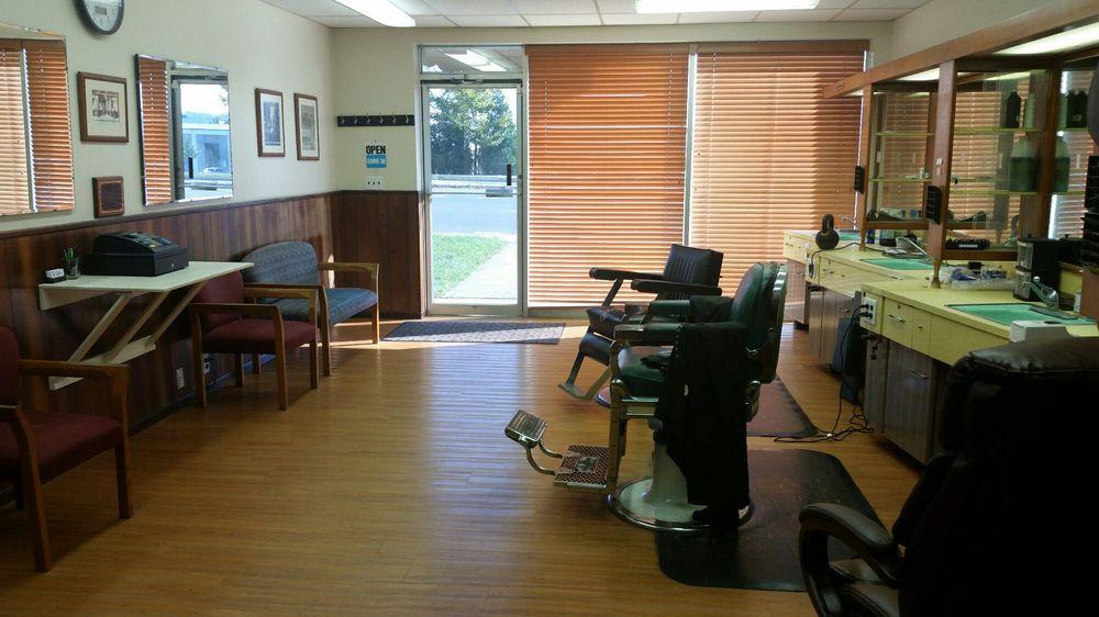 Scott's Barber Shop: 2115 Hydraulic Rd, Charlottesville, VA