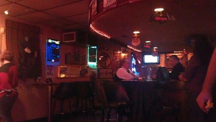 Ken's Viaduct Lounge: 9809 Lawrence Ave, Schiller Park, IL