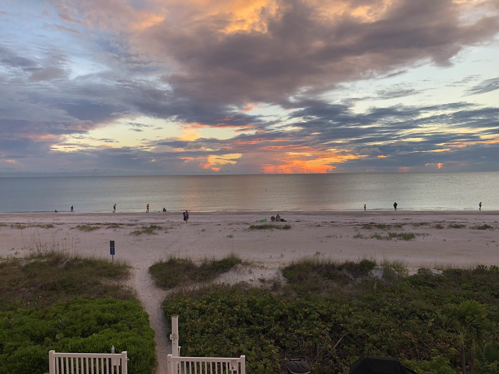 Belleair Beach Club: 3200 Gulf Blvd, Belleair Beach, FL