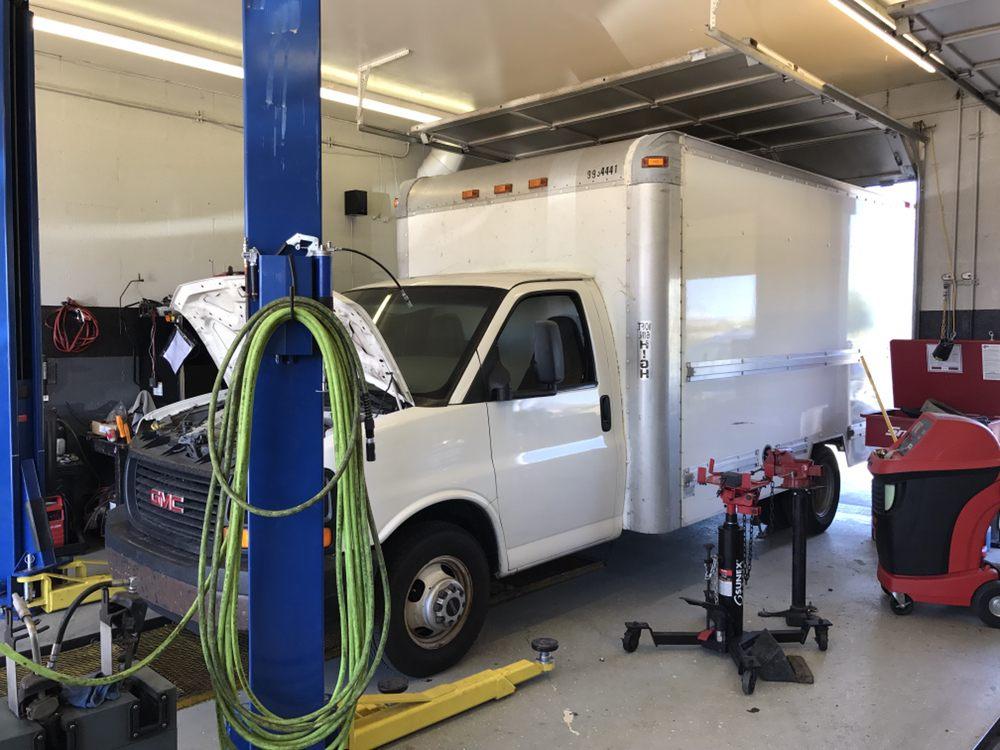 Albert s garage 71 photos 18 avis r paration auto for Garage des paluds avis
