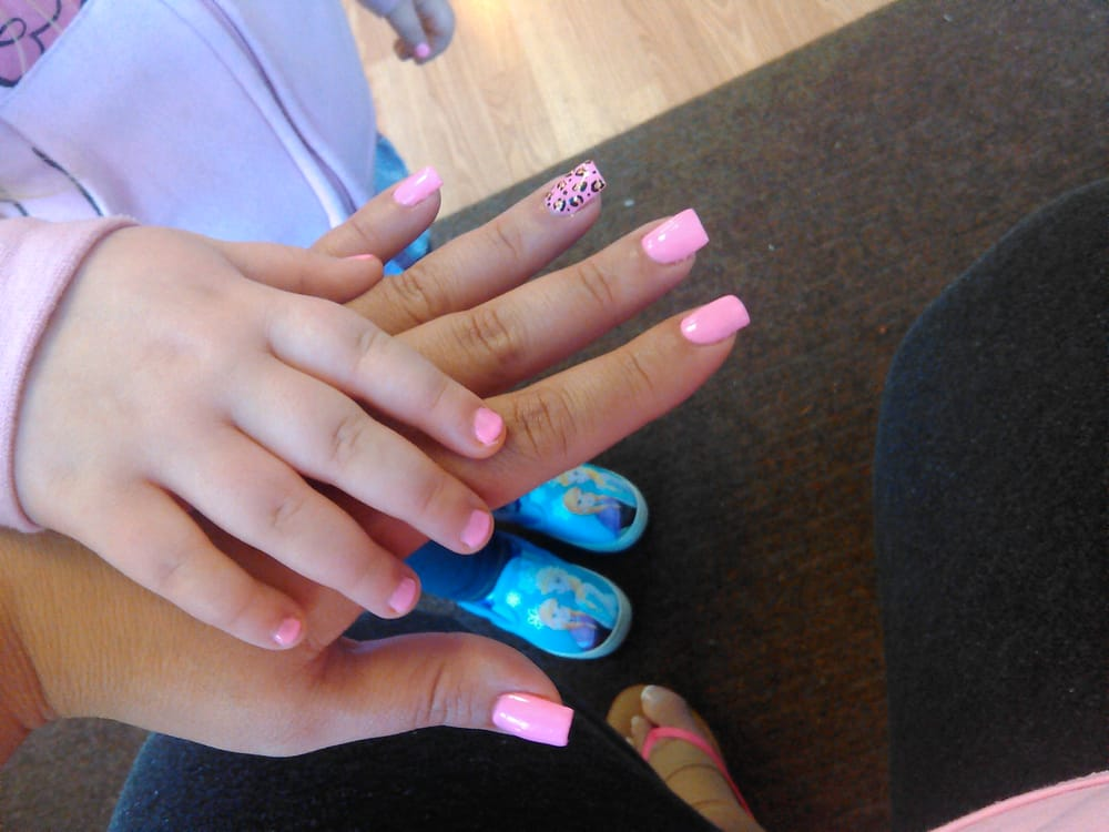 Expert Nails - CLOSED - 17 Photos - Nail Salons - 5145 Glendale Ave ...