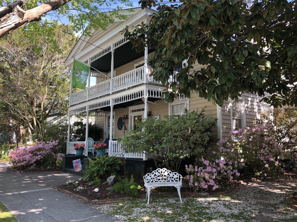 Ann Street Inn: 707 Ann St, Beaufort, NC