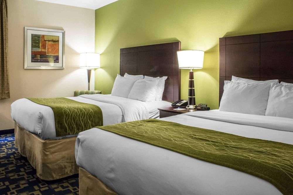 Comfort Inn Ankeny - Des Moines: 2602 SE Creekview Drive, Ankeny, IA