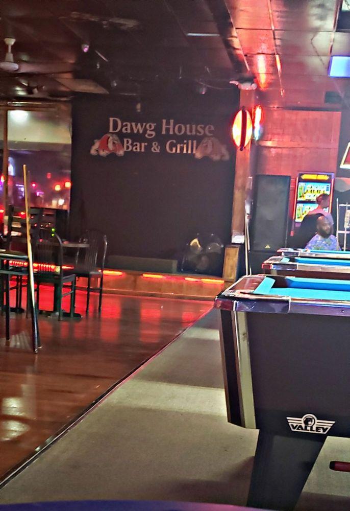 Dawg House Bar & Grill: 634 Shurling Dr, Macon, GA