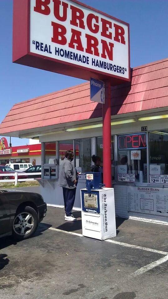 Burger Barn: 123 Lexington Ave, Jackson, TN