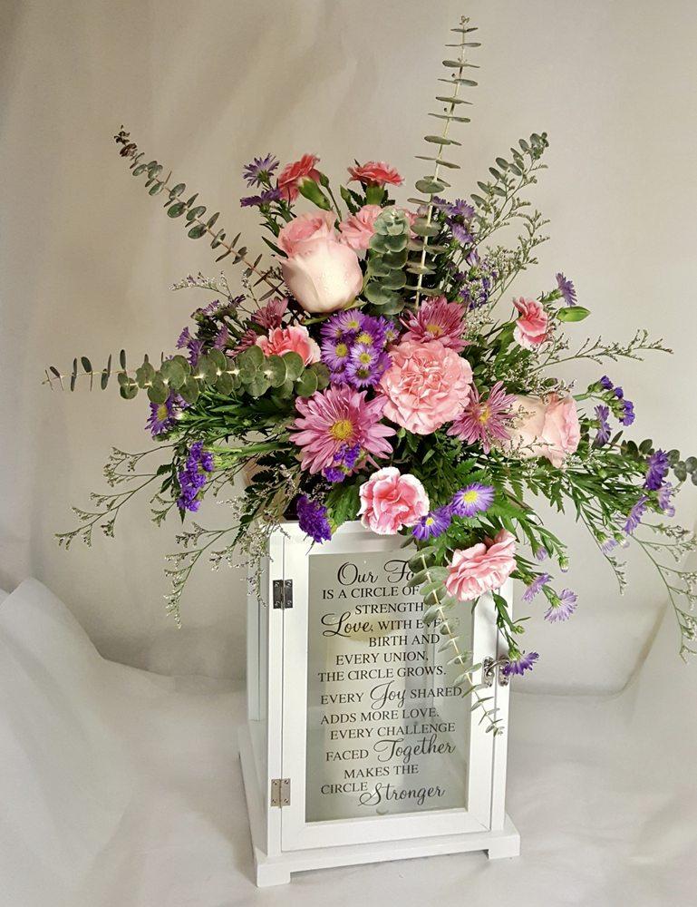 Breitinger's Flowers: 101 Cool Springs Rd, White Oak, PA