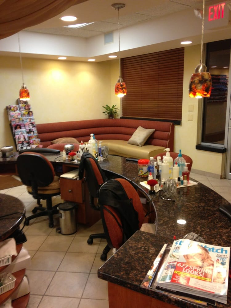 Diva nail spa 42 photos 33 reviews nail salons for 108th and maple nail salon