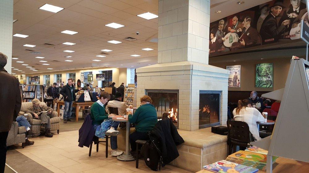 Barnes & Noble: 6501 N Grape Rd, Mishawaka, IN