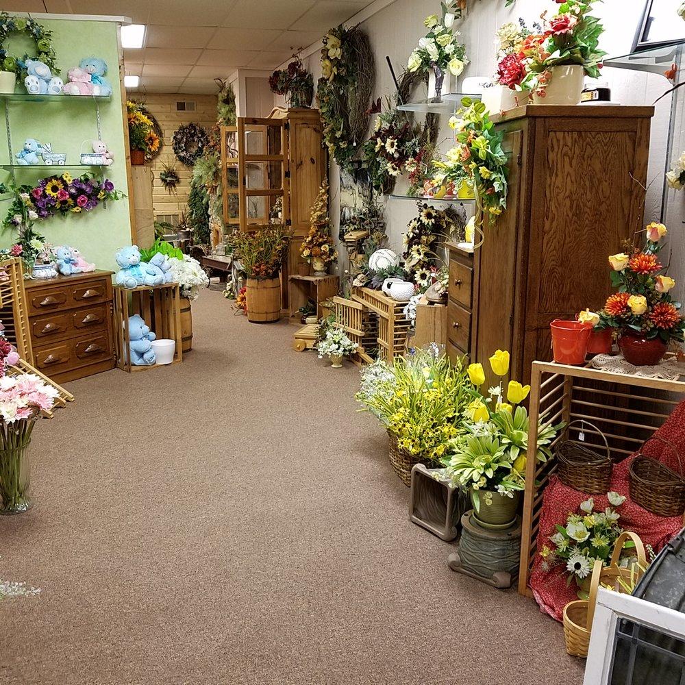 Bud & Bloom Florist: 22 E Main St, Mooresville, IN