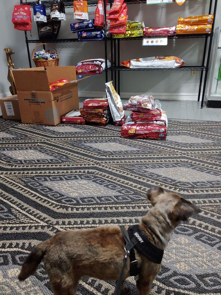 Dogfeathers: 189 N Clarendon Ave, Avondale Estates, GA