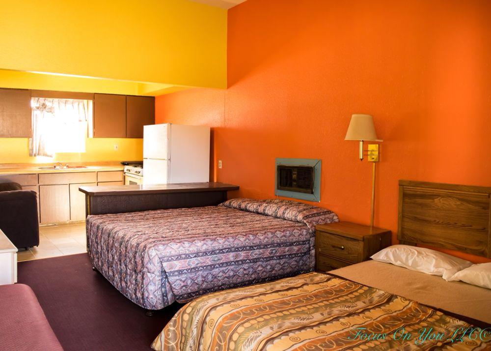 Bloomfield Motel: 801 W Broadway Ave, Bloomfield, NM