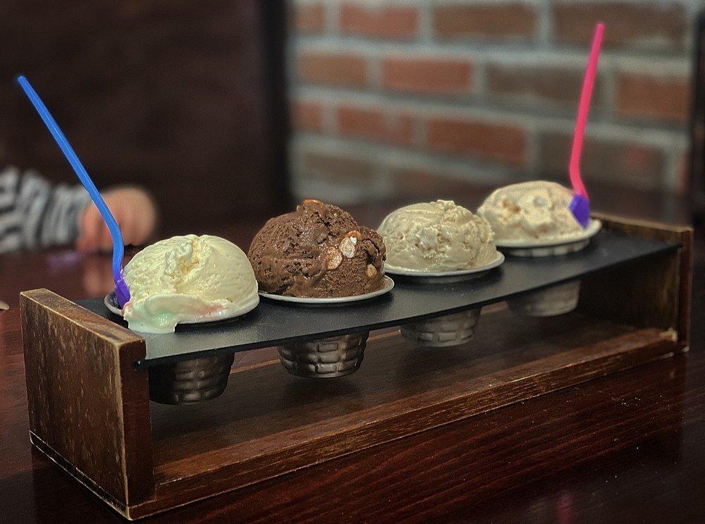 Parker's Ice Creams: 8000 Fair Oaks Pkwy, Fair Oaks Ranch, TX