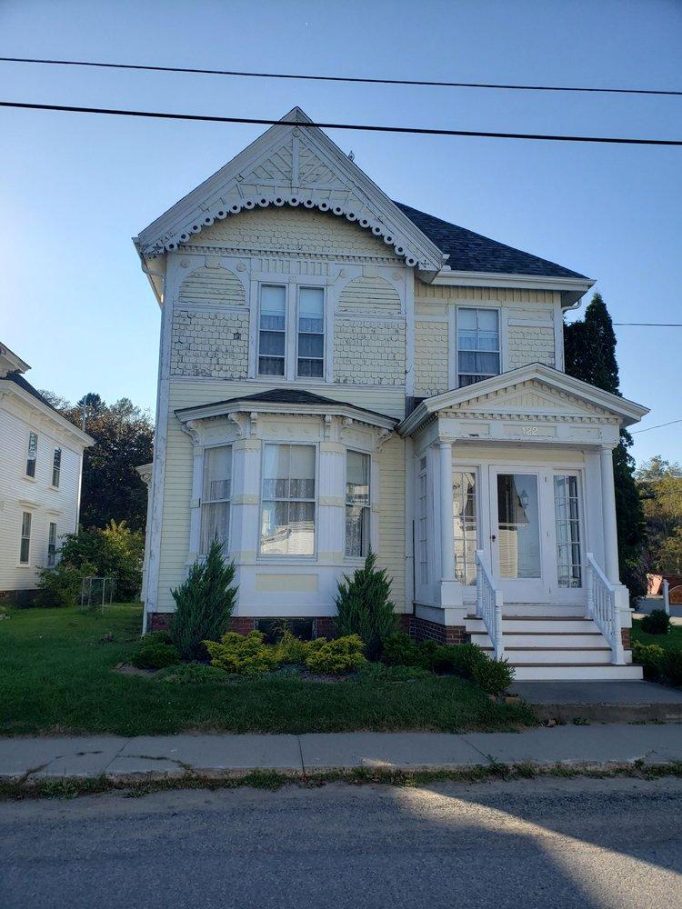 Kilby House Inn: 122 Water St, Eastport, ME