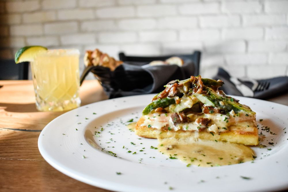 Rena's Italian Fishery And Grill: 240 S Main St, Alpharetta, GA