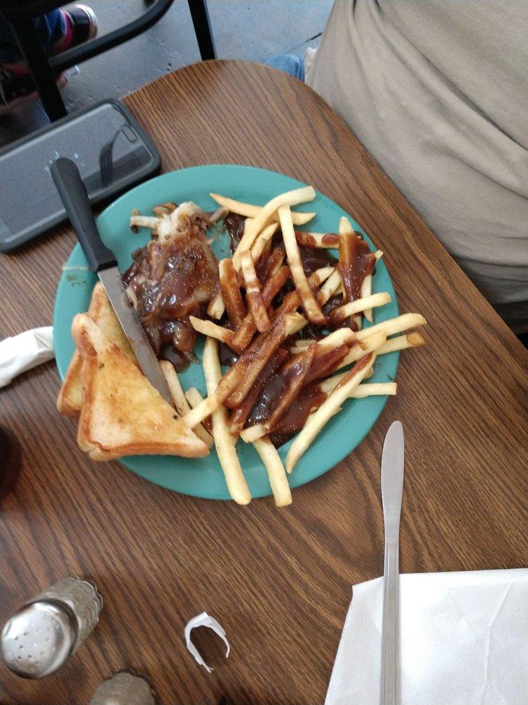 Ye Olde Sandwich Shoppe: 124 N Townville St, Seneca, SC