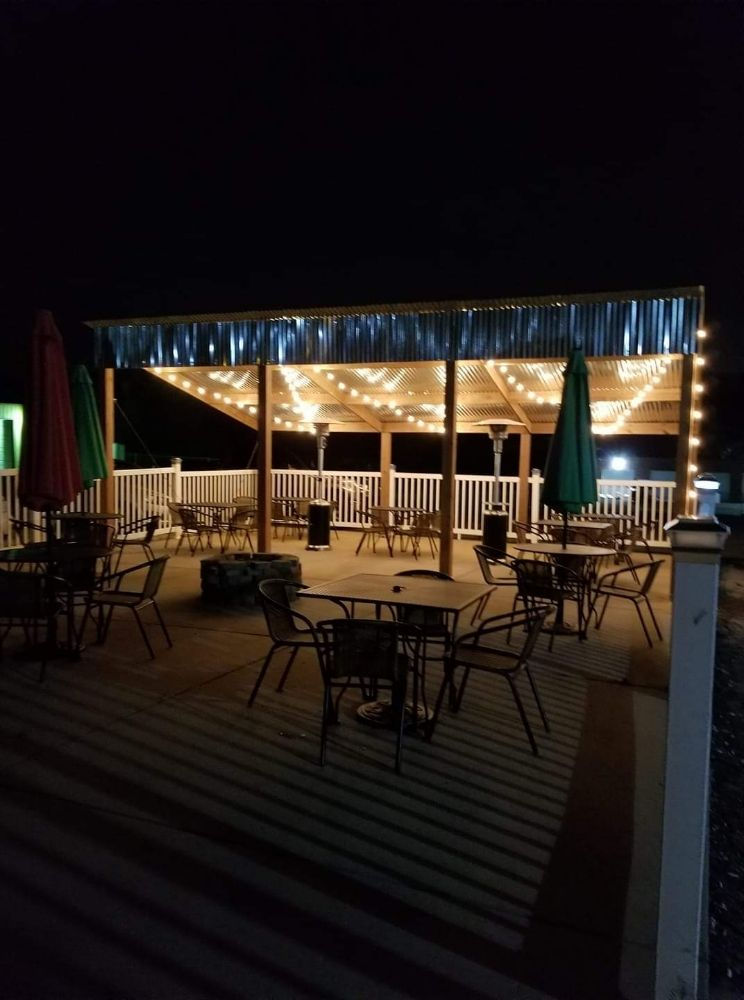 Red's Tavern: 5915 US Hwy 61/67, Imperial, MO