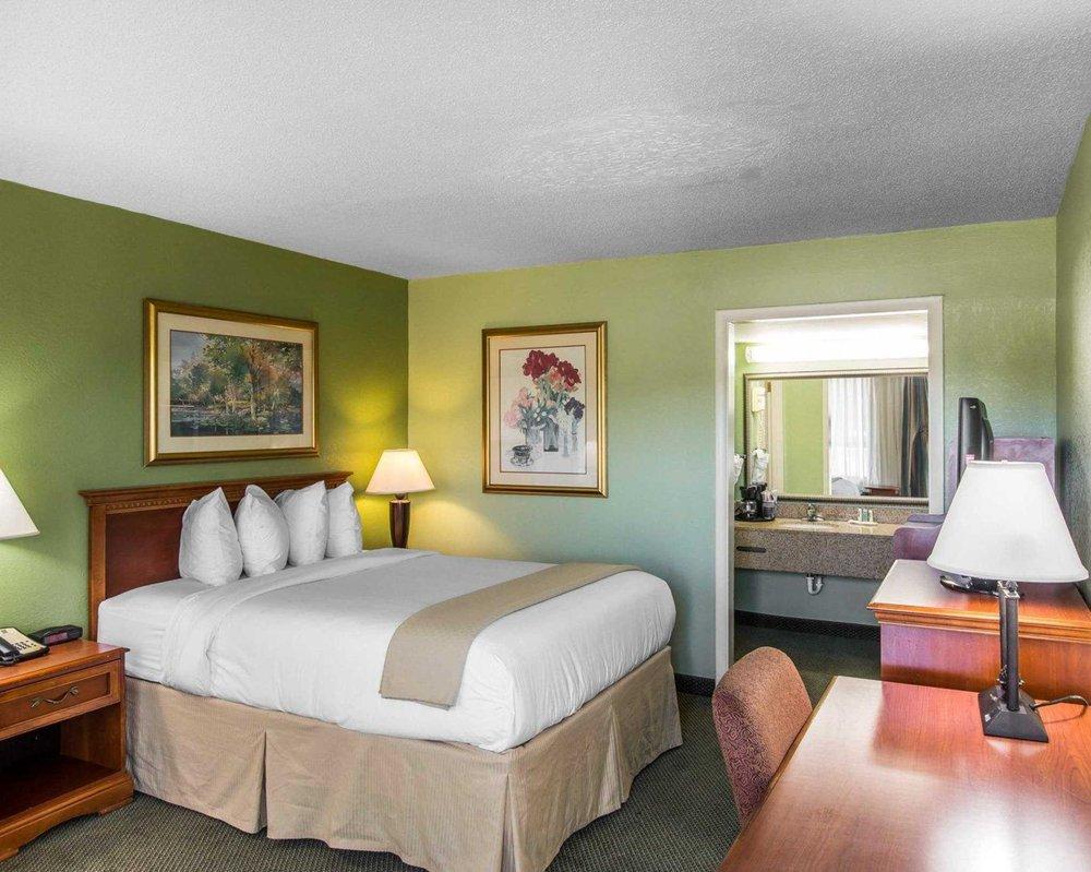 Quality Inn & Suites: 1725 Memorial Drive, Waycross, GA