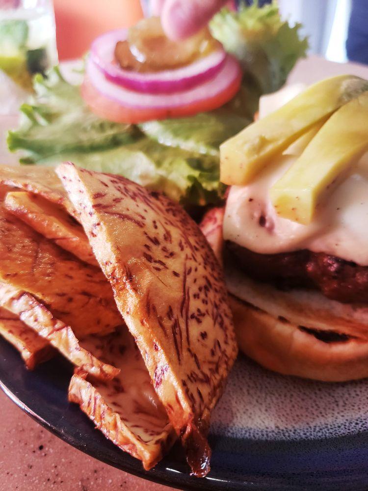 Mi Vida Café & Burger: Calle Principal 5, Rio Grande, PR