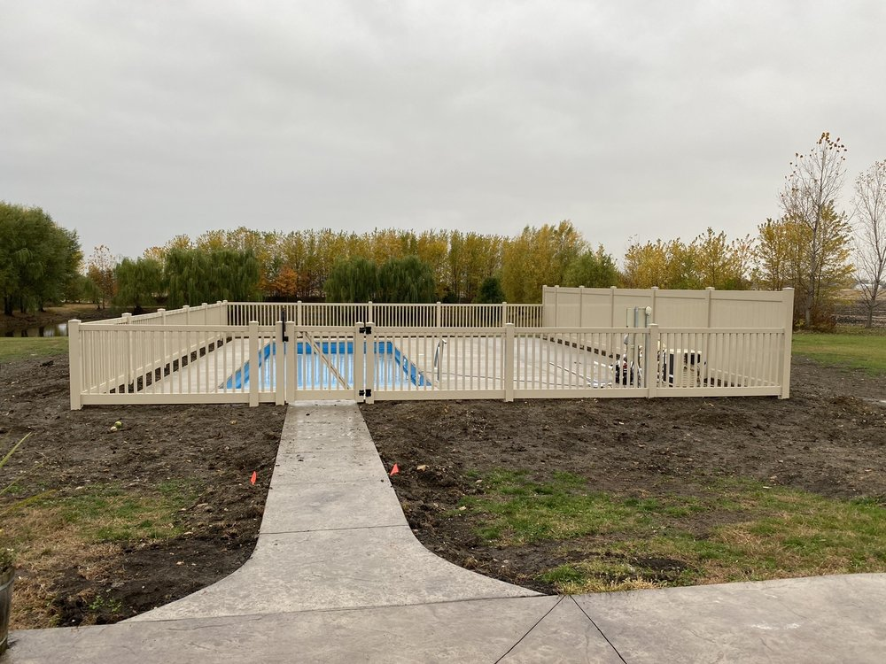 Osterhoff Fence: 1695 S Schuyler Ave, Kankakee, IL