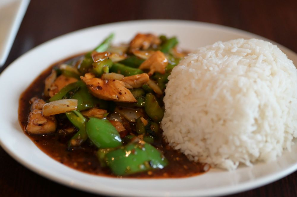 Food from Yum Thai Restaurant