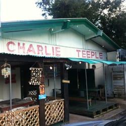 Charlie teeple sea products closed 11 reviews for Fish market savannah ga