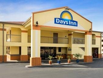 Days Inn by Wyndham Acworth: 164 Northpoint Way, Acworth, GA
