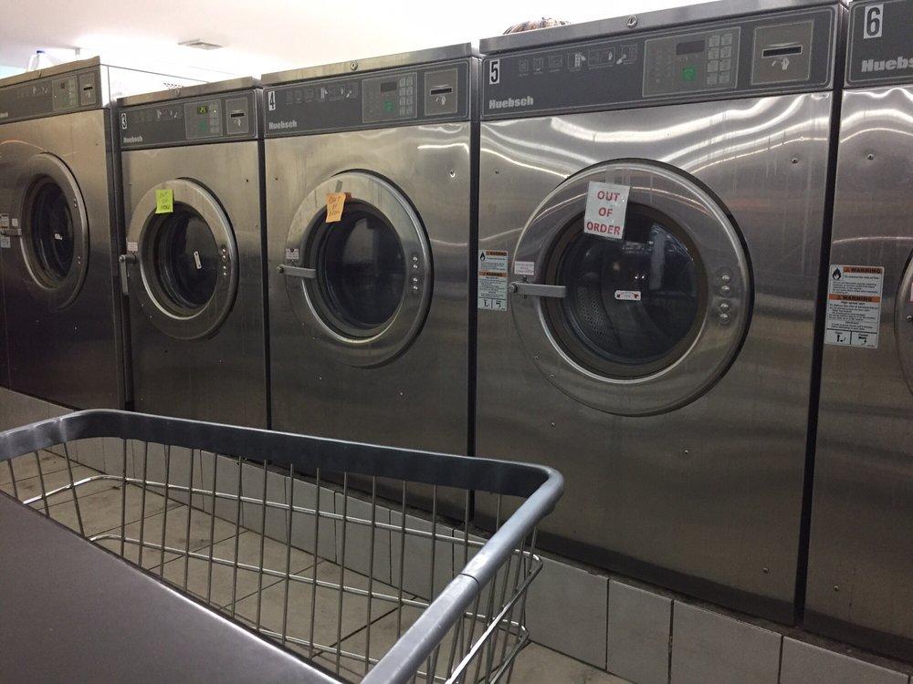 Laundry Room: 10 Clark Pl, Mahopac, NY