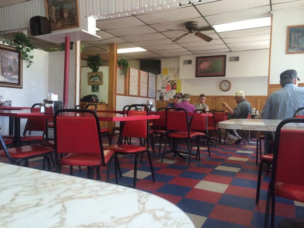Ricky's Cafe: 323 E N St, Hanover, KS