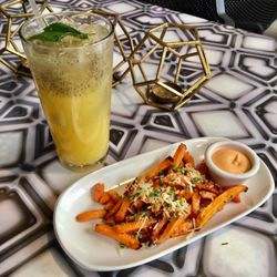 LYFE Kitchen - 99 Photos & 89 Reviews - American (New) - 831 N State ...