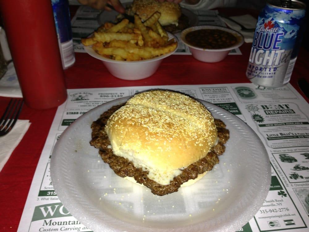 Van's Tavern: Boone & Remsen Rd, Barneveld, NY