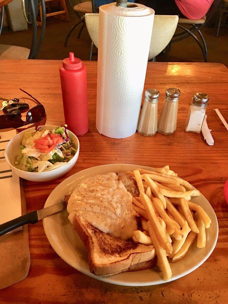 Big Pops Diner: 525 State Hwy 36 N, Caldwell, TX