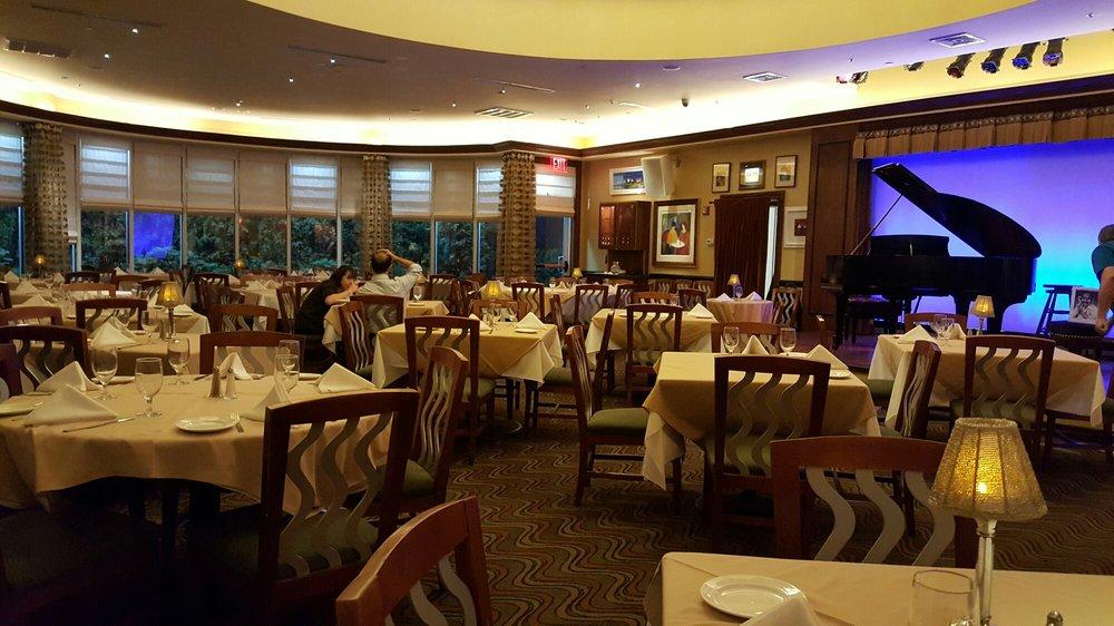 Restaurants Near Hilton Garden Inn Staten Island Ny