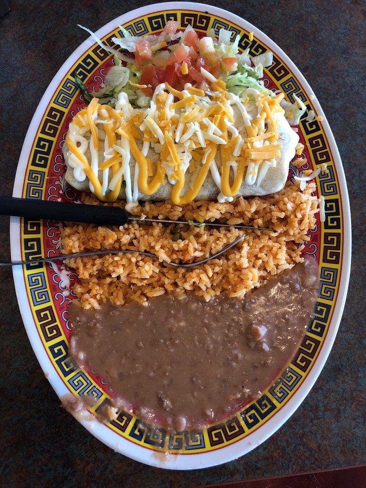 Tacos La Juanita: 785 Hawkeye Ave SW, Le Mars, IA
