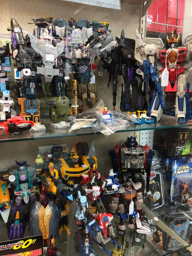 Tri-City Flea Market: 4571 Hwy 11 E, Bluff City, TN