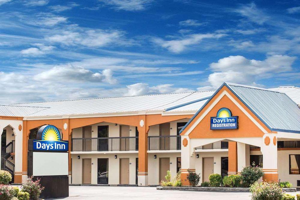 Days Inn by Wyndham Athens: 2541 Decatur Pike, Athens, TN