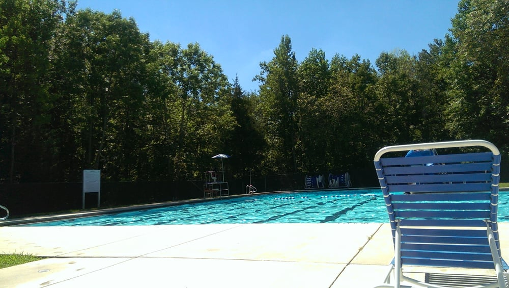 Bourne J Franklin Memorial Swimming Pool: 6500 Calmos St, Capitol Heights, MD
