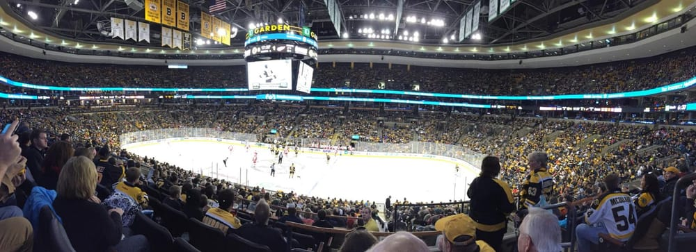 Club seats 139 bruins yelp for Restaurants near td garden boston ma