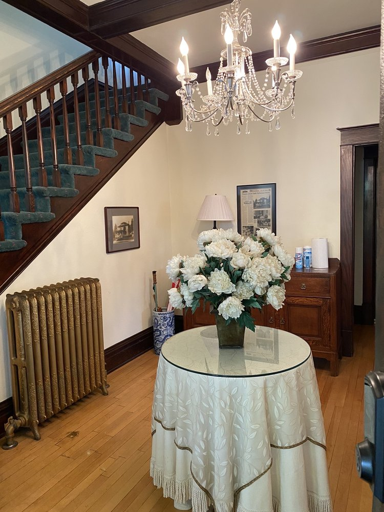 The McFarland Inn Bed and Breakfast: 601 E Foster Ave, Coeur D Alene, ID