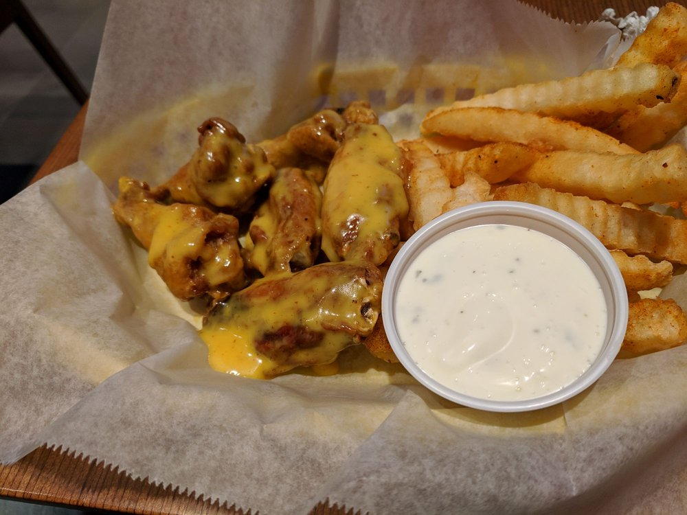 Wingers Sports Grill