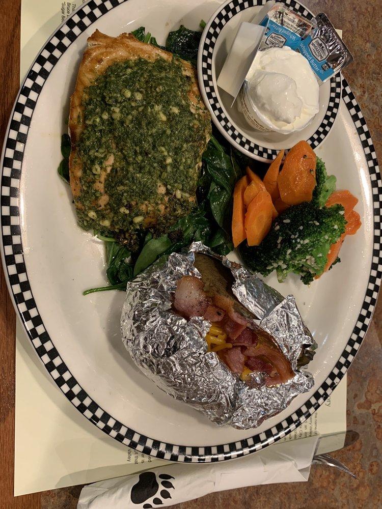 Black Bear Diner: 946 W Beale St, Kingman, AZ