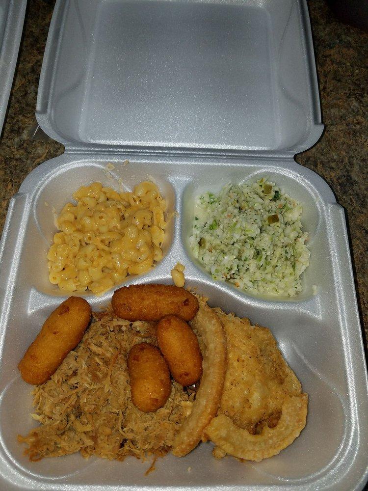 Woodard Family BBQ & Grill: 122 S Main St, Broadway, NC