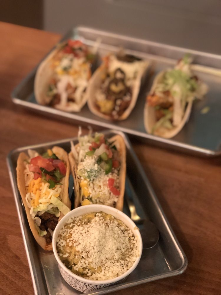 Food from Tacos 4 Life