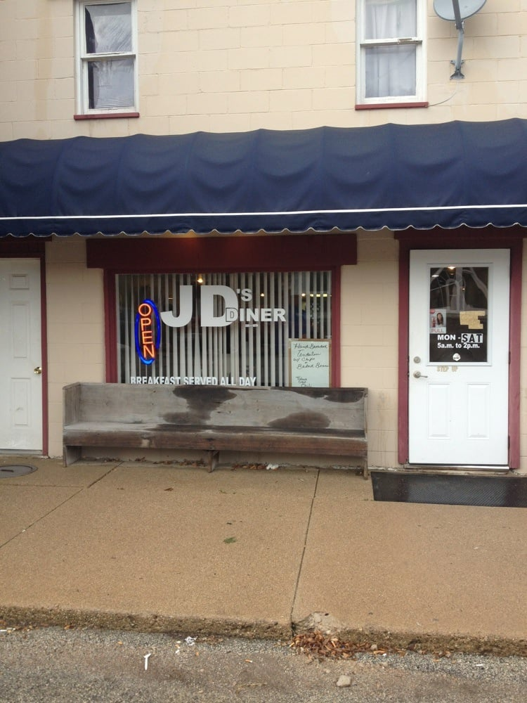 J D's Diner: 205 E South 2nd St, Findlay, IL